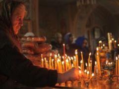 Можно ли отпевать некрещеного, молиться за него и ставить свечи в храме